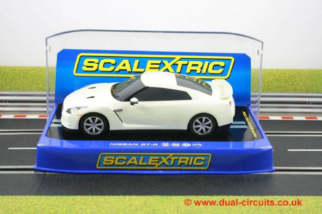 Scalextric C3072 Nissan GT-R White Road Car